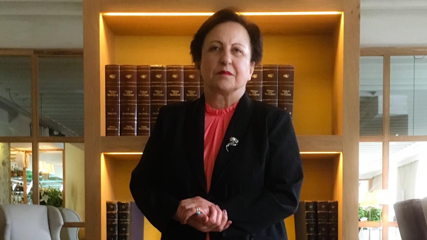 La Premio Nobel Shrin Ebadi durante su visita en Madrid