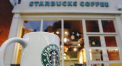 Coca-Cola, Starbucks y otro centenar de marcas retiran su publicidad de las redes