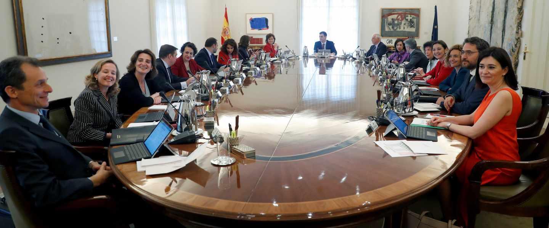 Primera reunión del Consejo de Ministros del Gobierno de Pedro Sánchez.