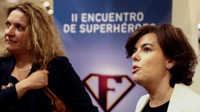 Sáenz de Santamaría a la salida de la Junta Directiva del pasado lunes