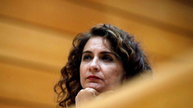 La ministra de Hacienda, María Jesús Montero, durante la sesión del Senado.