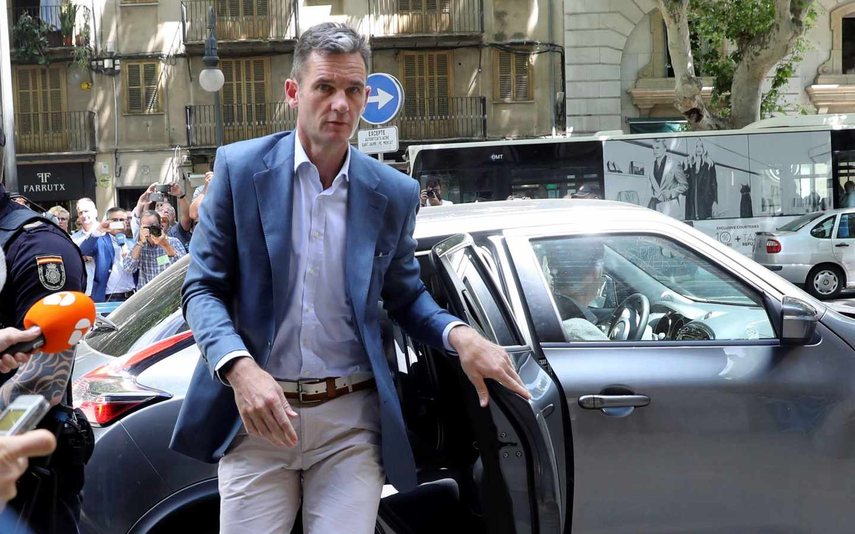 Iñaki Urdangarin llega a la Audiencia de Palma.
