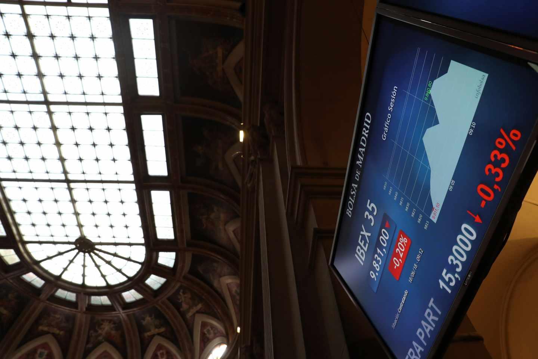 La tensión en Italia impulsa la prima de riesgo española por encima de los 100 puntos.