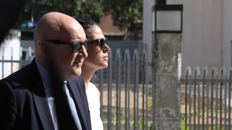 La profesora de la URJC Cecilia Rosado, dirigiéndose a declarar a los juzgados madrileños de Plaza de Castilla.