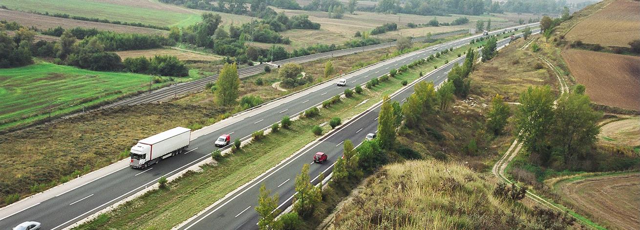 Imagen de la AP-1 entre Burgos y Armiñón, cuya concesión vence el próximo mes de noviembre. Desde entonces será gratis.