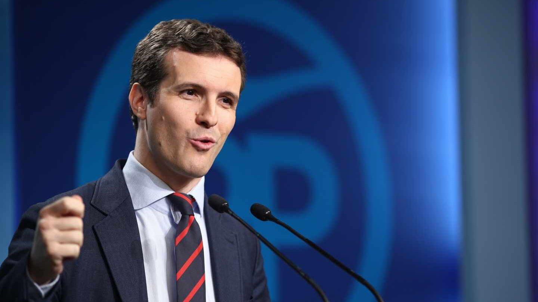 El vicesecretario de Comunicación del PP, Pablo Casado, ofreciendo una conferencia de prensa.