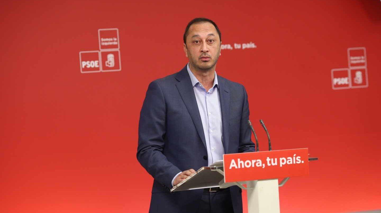 Alfonso Rodríguez Gómez de Celis, en una comparecencia informativa en la sede del PSOE.