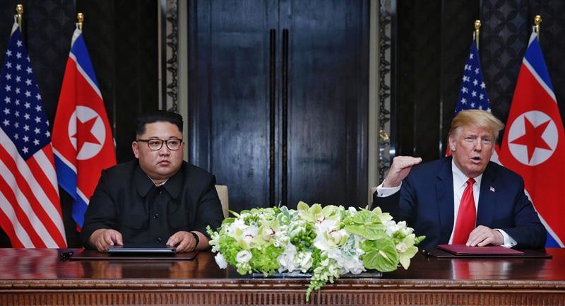 Kim Jong-un y Donald Trump firman un acuerdo histórico en Singapur.
