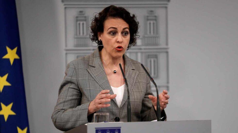 La ministra de Trabajo, Magdalena Valerio, tras reunirse con los agentes sociales.