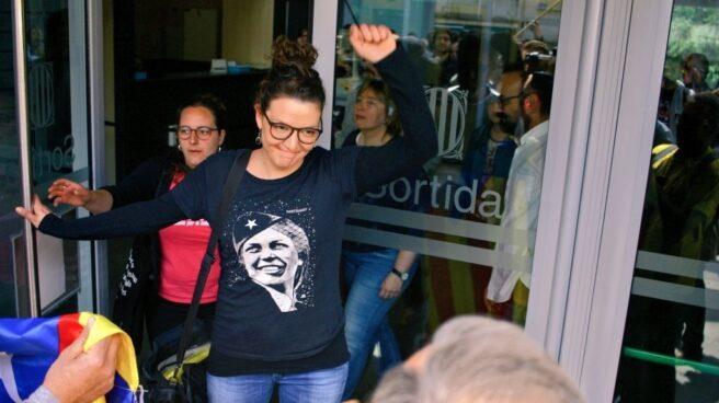 La alcaldesa de Berga, Montse Venturós, a su salida del juzgado.