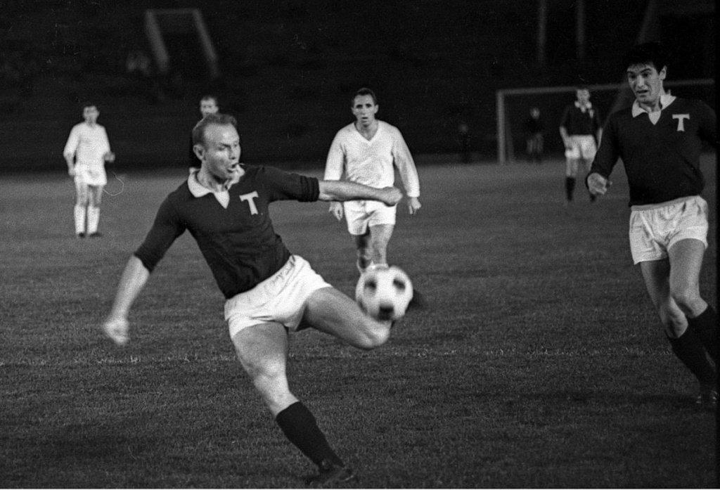 Eduard Streltsov, en un partido con el Torpedo de Moscú tras salir del Gulag.