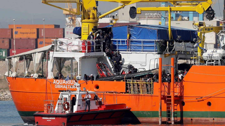 El Aquarius llega al puerto de Valencia.
