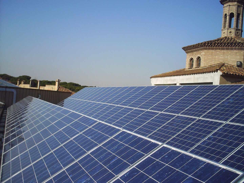 El Gobierno tumba el 'impuesto al sol' para relanzar el autoconsumo