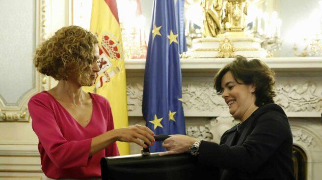 Meritxell Batet recibe la cartera de Soraya Sáenz de Santamaría.