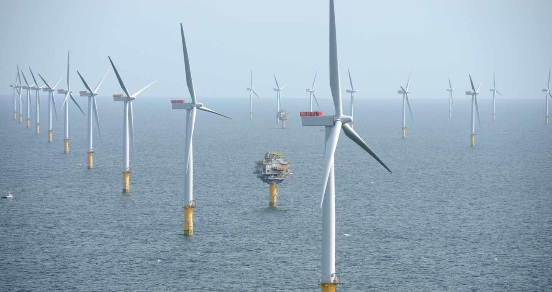 Instalación eólica en el mar de Inglaterra