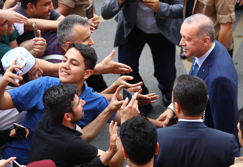 Recep Tayyip Erdogan, este domingo tras votar en Estambul.
