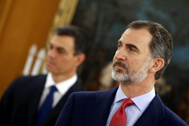 Felipe VI y Pedro Sánchez, en el palacio de La Zarzuela.