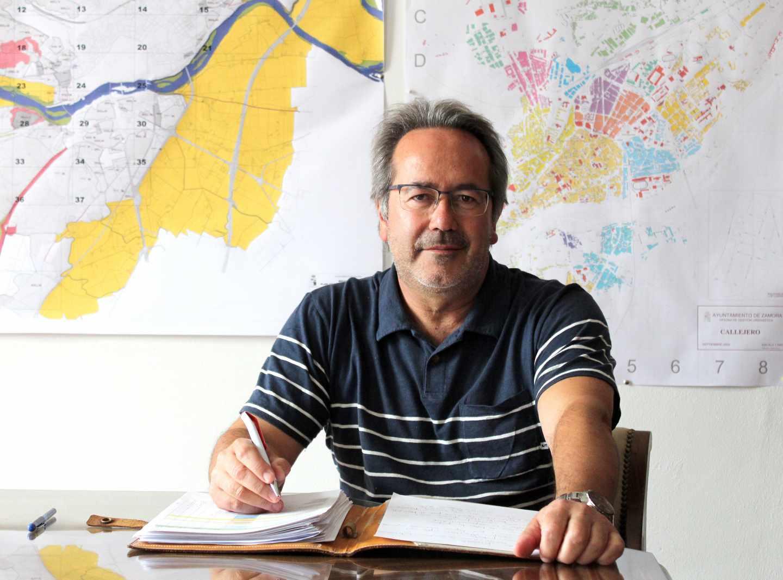 Paco Guarido, alcalde de Zamora, en su despacho.