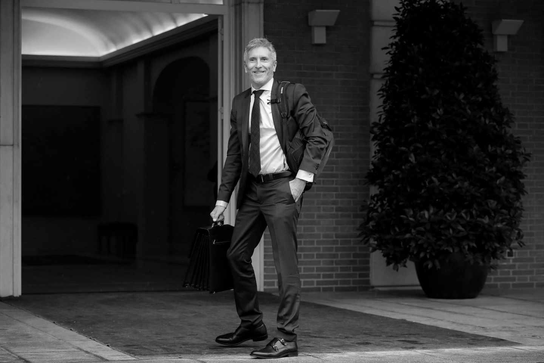 El nuevo ministro del Interior, Fernando Grande-Marlaska. en el complejo de La Moncloa.