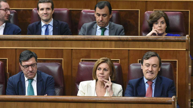 Hernando, Cospedal y Santamaría, en el hemiciclo.
