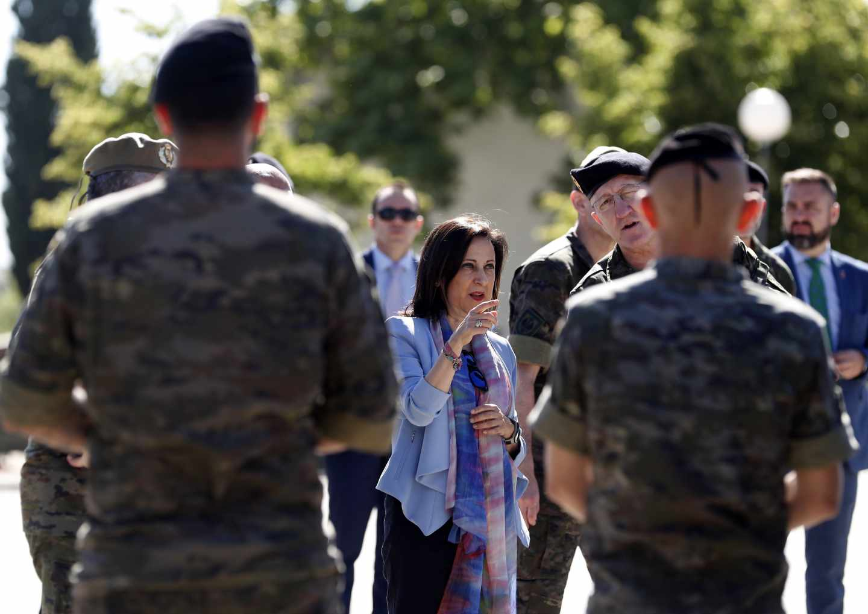 "La ministra de Defensa, Margarita Robles, visita la Brigada "" Guadarrama"" XI, en la base milita El Goloso."