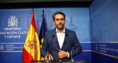 Sánchez deja caer a su ministro más mediático para salvar su coherencia