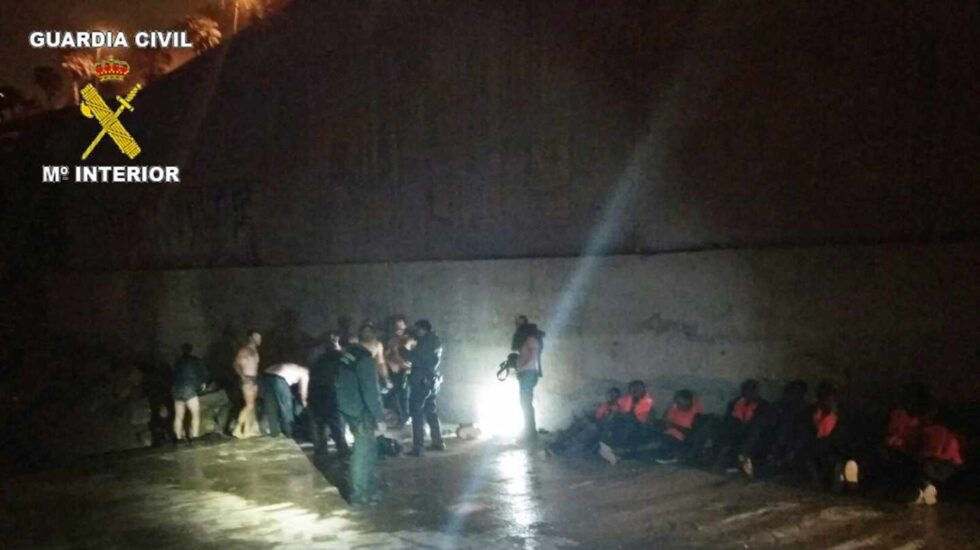 Una operación de rescate de inmigrantes en Melilla.