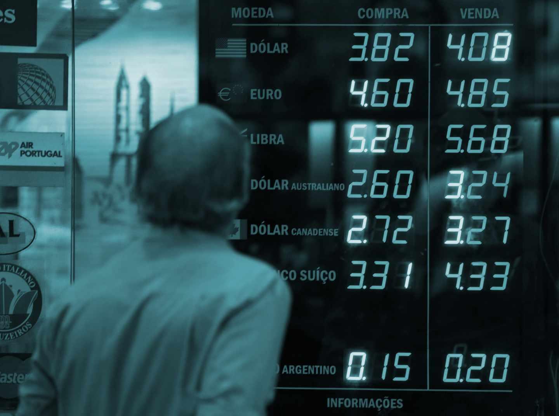 Precios de compraventa de divisas en una casa de cambio.