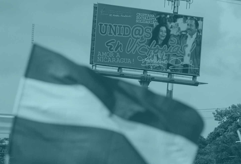 Vista de propaganda de la pareja presidencial de Nicaragua Daniel Ortega (d) y Rosario Murillo.