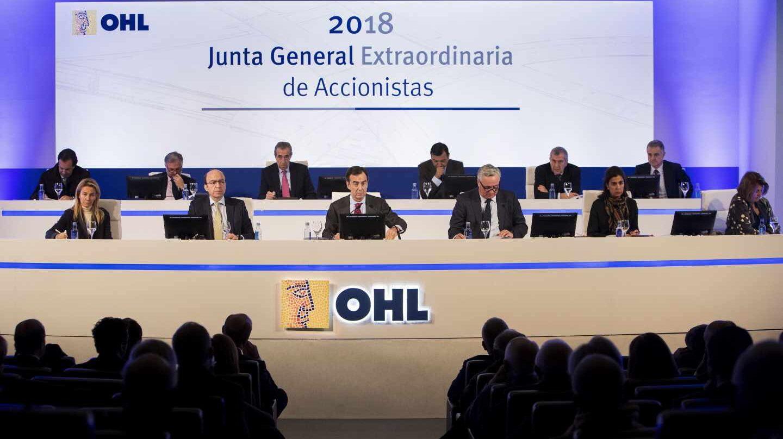 El paso atrás de Villar Mir en OHL despierta los recelos del mercado hacia la constructora.