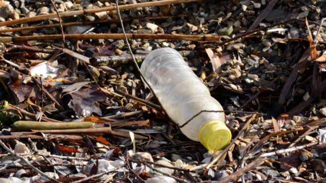 Botella de plástico de un solo uso