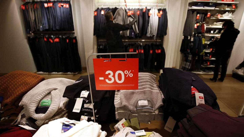 """La industria textil alerta de la """"guerra de precios"""" tras dos décadas de estancamiento."""