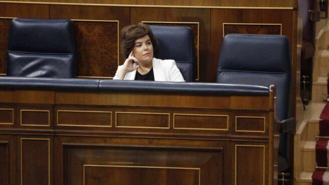 Soraya Sáenz de Santamaría en su escaño del Congreso.