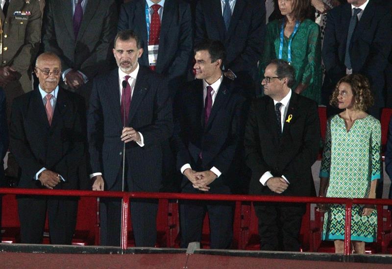 El Rey, Pedro Sánchez, Quim Torra y la ministra Batet, en la inauguración de los Juegos Mediterráneos de Tarragona.