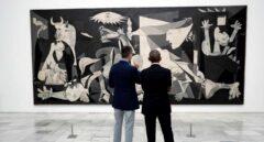 El Rey acompaña a Obama en una visita al Museo Reina Sofía