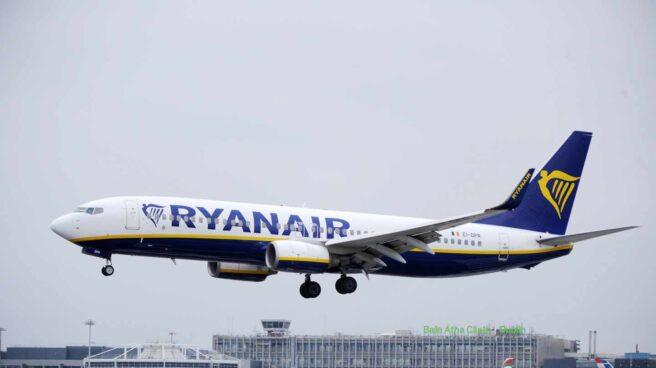 Aterrizaje de un avión de Ryanair.