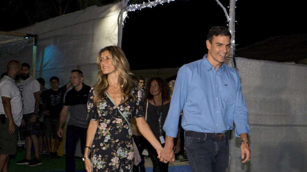 Pedro Sánchez y su mujer llegan al concierto de The Killers en Benicasim.