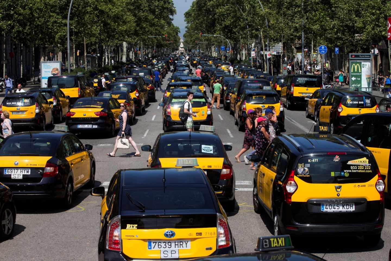 Los taxis colapsan el centro de Barcelona