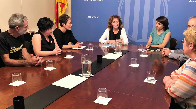 Consellera Ester Capella con familiares de condenados de Alsasua