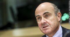"""Guindos (BCE) reclama a los gobiernos europeos """"coronabonos"""" y defiende una renta básica"""