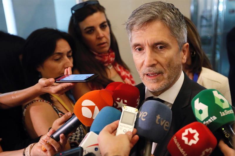 El ministro del Interior, Fernando Grande-Marlaska, minutos antes de comparecer este miércoles en el Congreso.