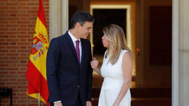 Pedro Sánchez recibe en la Moncloa a Susana Díaz.
