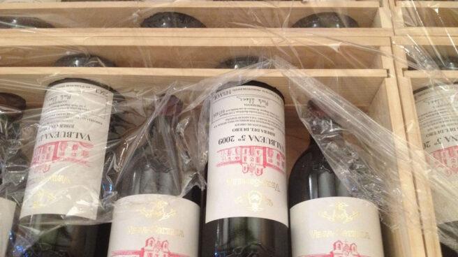 Estuche con botellas de vino de Vega Sicilia.