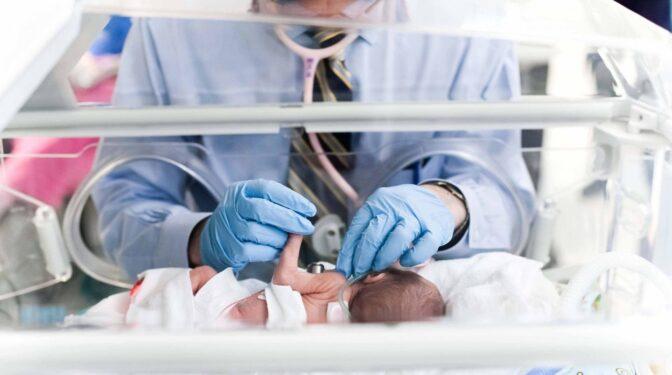 El error humano por el que dos bebés fueron intercambiadas en un hospital de Logroño