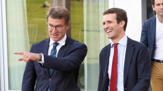 El presidente de la Xunta de Galicia, Alberto Núñez Feijóo, junto a Pablo Casado.
