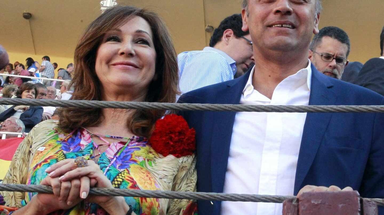 La periodista Ana Rosa Quintana y su marido, el empresario Juan Muñoz.