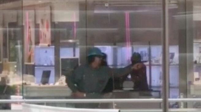 Detenidas cuatro personas por el atraco a una joyería en Castelldefels.
