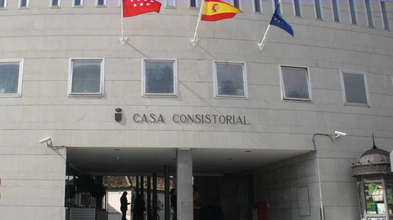 Fachada del ayuntamiento de Parla.