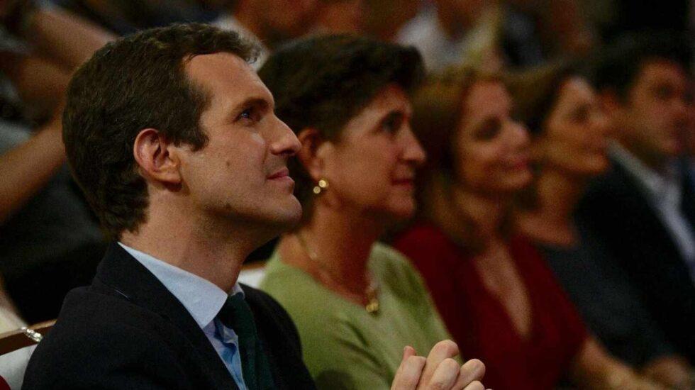 Pablo Casado y María San Gil.