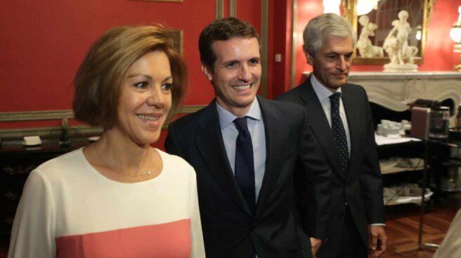 Pablo Casado, acompañado de María Dolores de Cospedal y Adolfo Suárez Illana.
